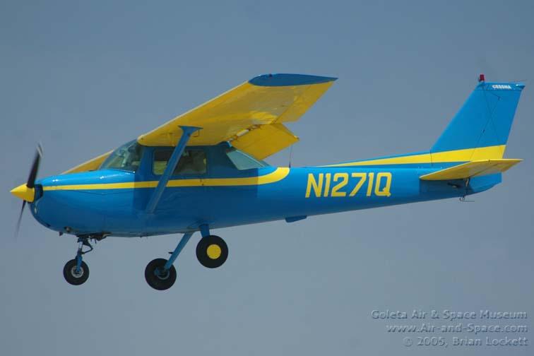 DSC_2783 Cessna 150L N1271Q cn15072571 left front landing l