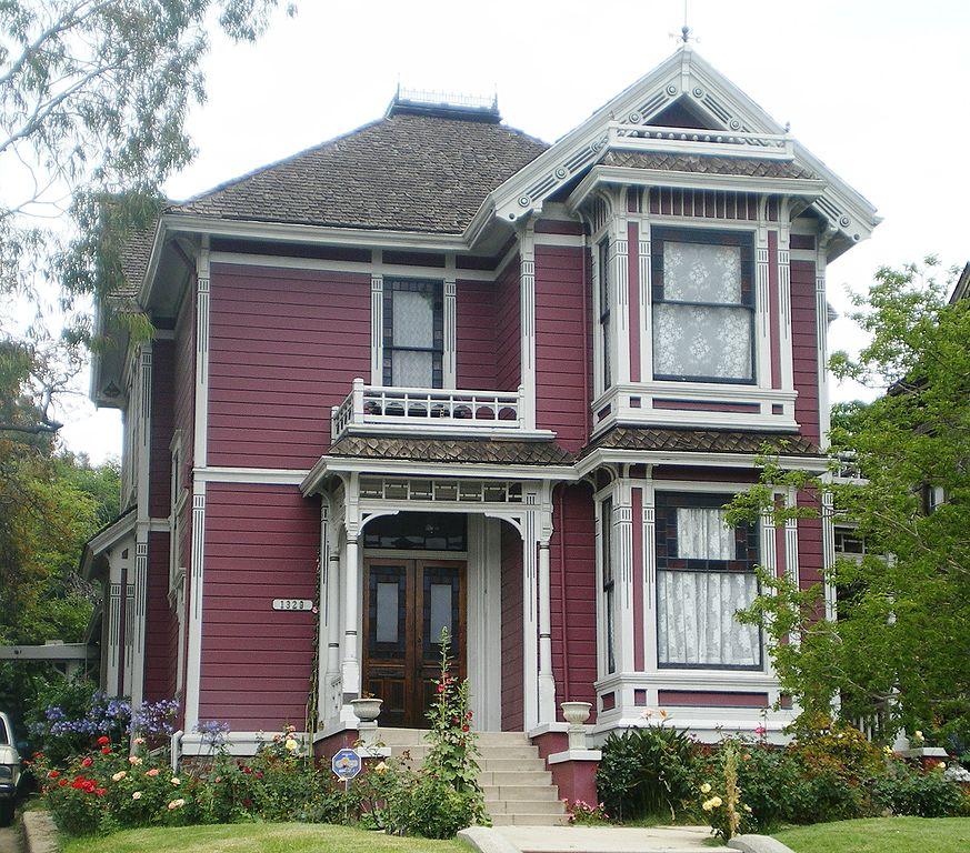 873px-House_at_1329_Carroll_Ave., <a href=