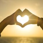 1387-hands-heart-love-romantic-sunset